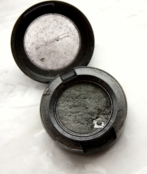 How to fix smashed eyeshadow