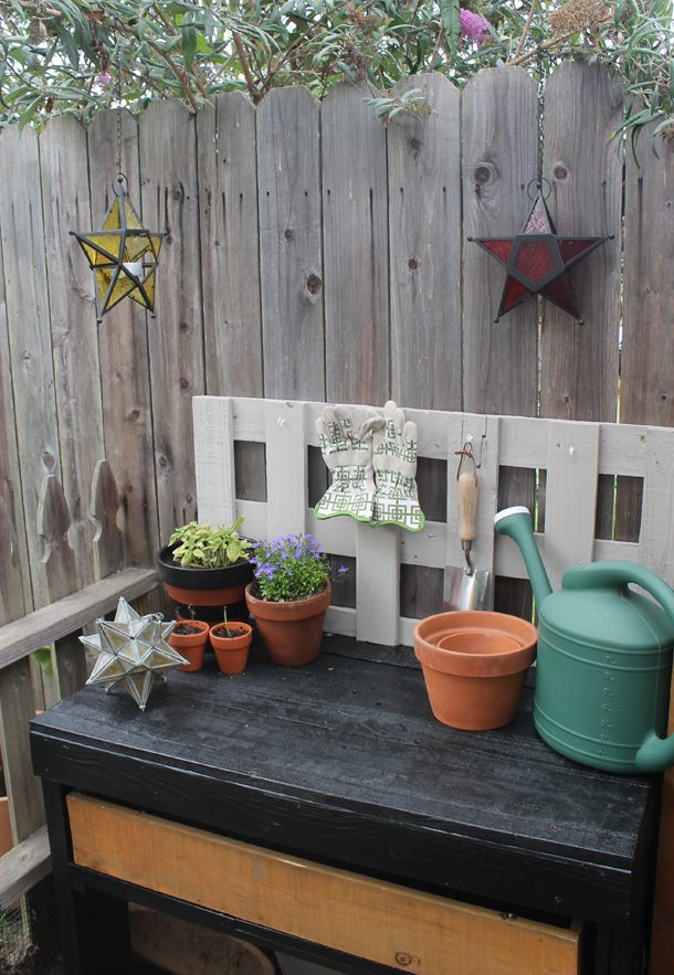 Garden Station DIY Wooden Pallets