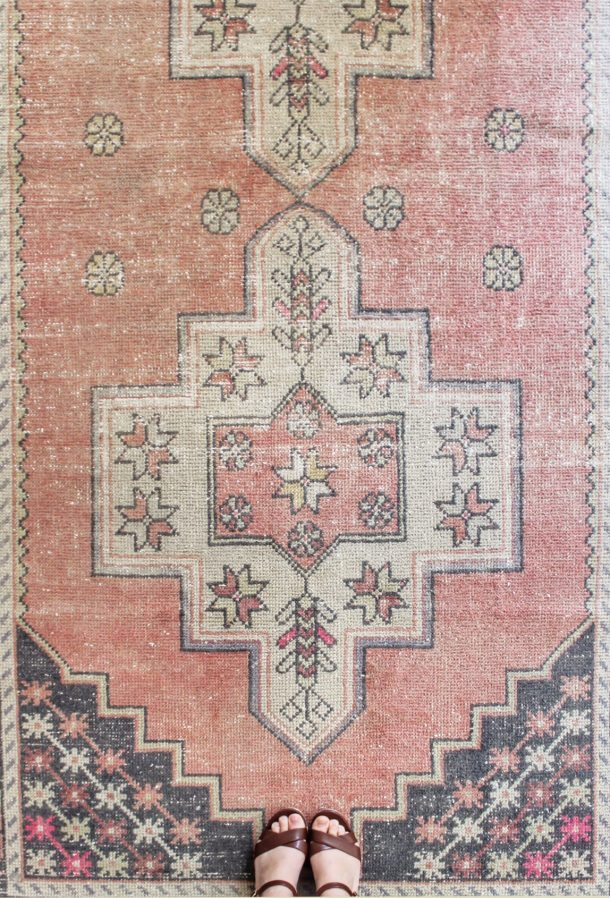 Vintage turkish rugs etsy round up best deals a bit of for Where to buy round rugs